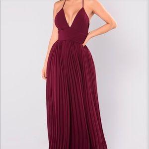 Dresses & Skirts - Beautiful Pleated Prom/ Formal Dress
